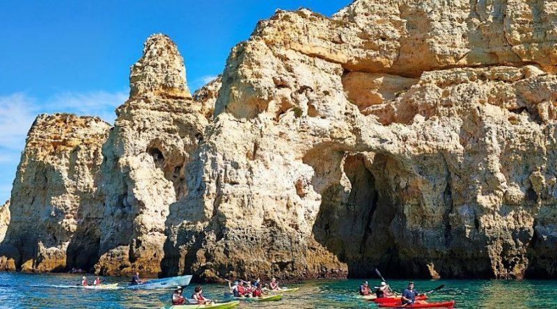 Atlantische Felsküste im Süden Portugals