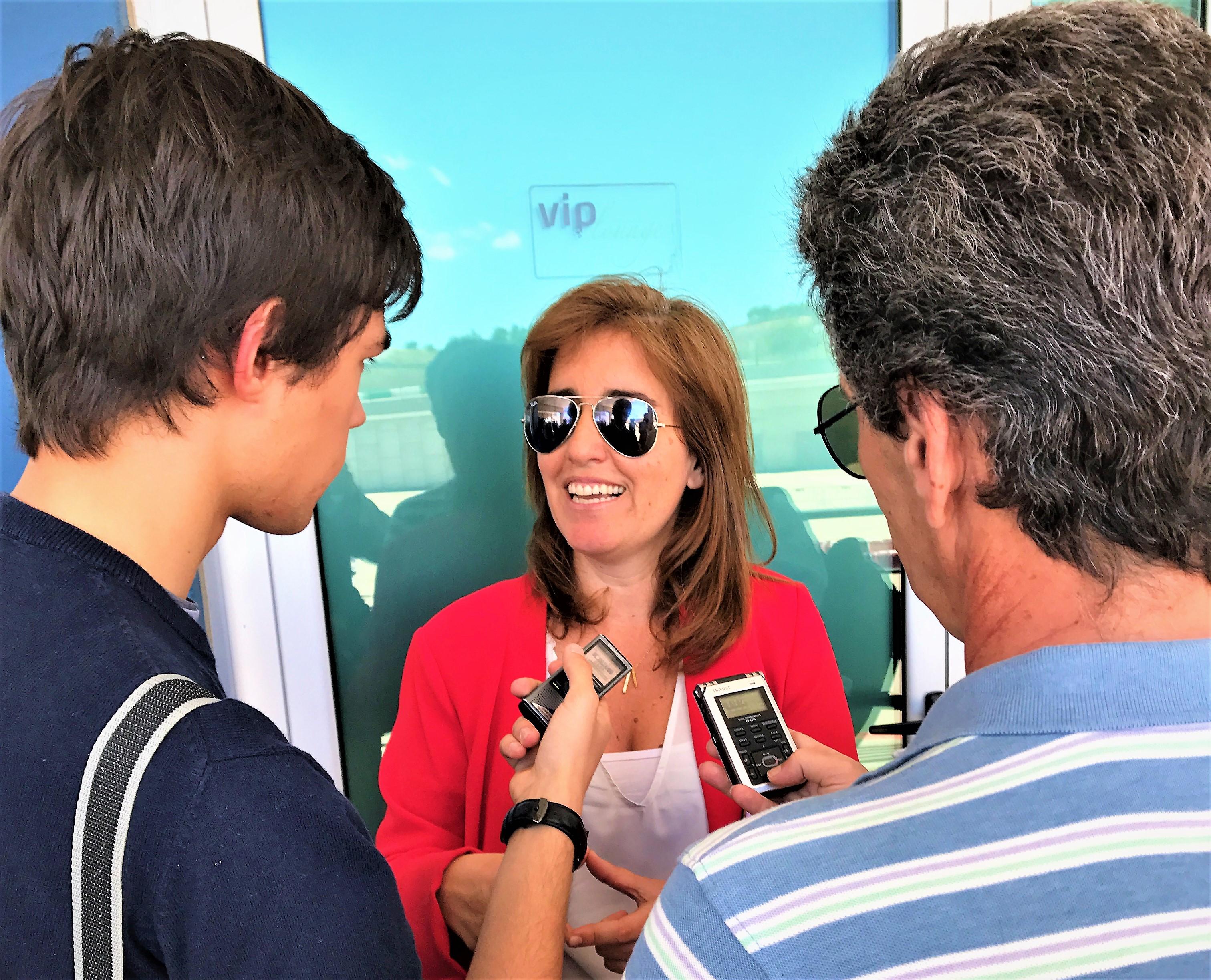 Portugals Staatssekretärin für Tourismus, Ana Godinho, erläutert Pläne für mehr Elektromobilität an der Algarve