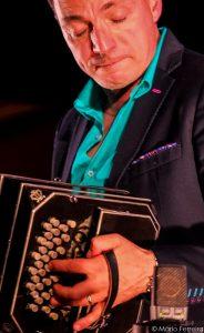 Bandoneon-Virtuose Gianni Iorio aus Rumändien auf dem Lagoa Jazz Fest 2017 an der Algarve