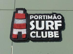 Surf-Schulen in Portugal und an der Algarve