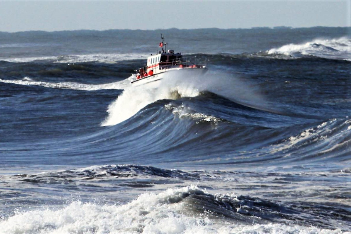 Algarve-News über Stürme an Portugals Nordwestküste