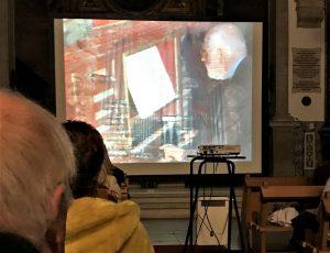 Ton Koopmann auf Video-Bild während Faro-Konzert zum Orgelfestival 2017