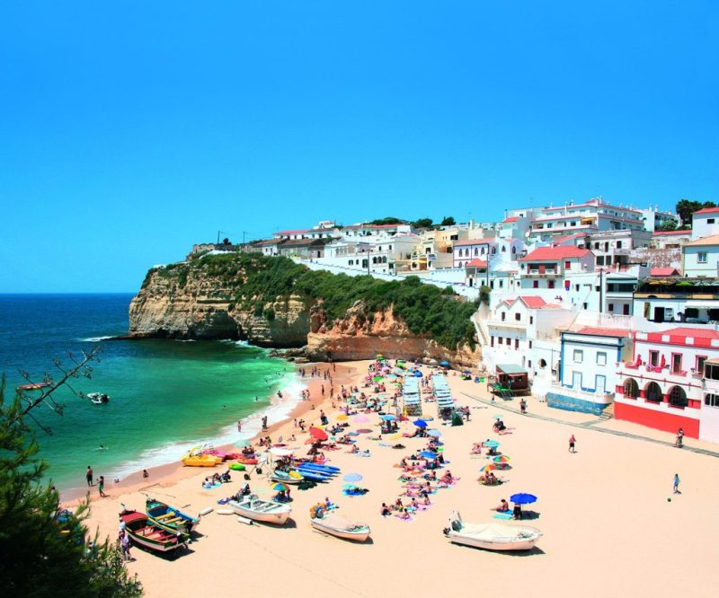 Familienurlaub an der Algarve am Strand von Carvoeiro
