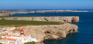 Joana Schenker als Weltmeisterin im Bodyboarding lebt an der Algarve in Sagres