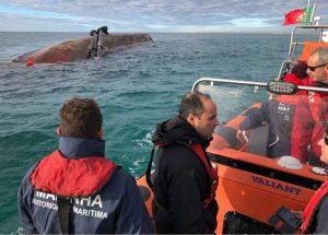 Algarve-News zu Schiffsunfall vor der Küste von Olhao
