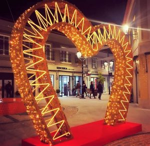 Valentinstag an der Algarve mit Schnäppchen des Designer Outlet in Loule