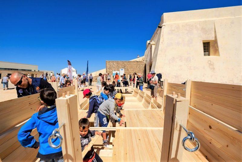 Karavelle Sagres nachbauen macht vor allem Kindern an der Algarve Spaß