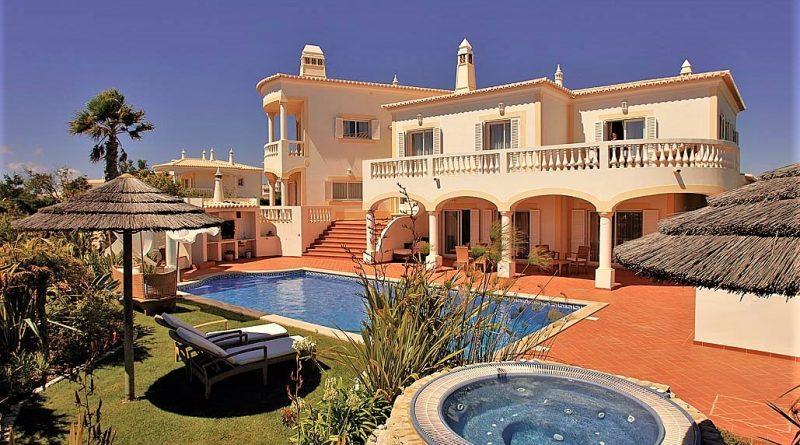 Algarve-Ferienimmobilien im Sommer haben hohe Ertragskraft bei Vermietung
