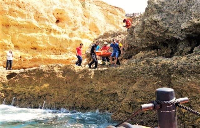 Algarve News über Klippensturz eines Spaniers in Carvoeiro