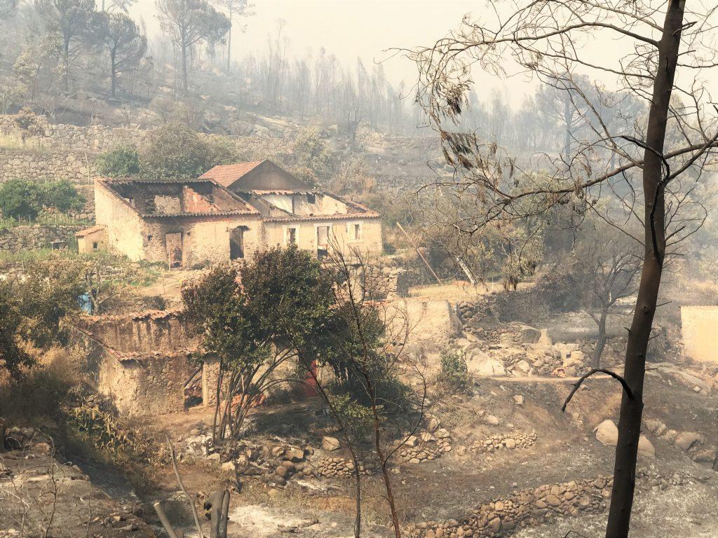 In Monchique wurde beim Waldbrand das Haus von Robert Nestmann zerstört