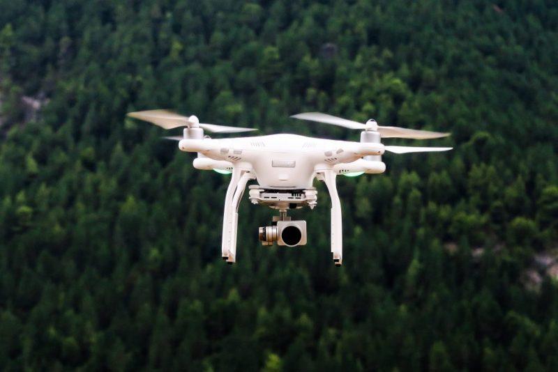 Algarve News über die Gefahr von Drohnen an Flughäfen in Portugal